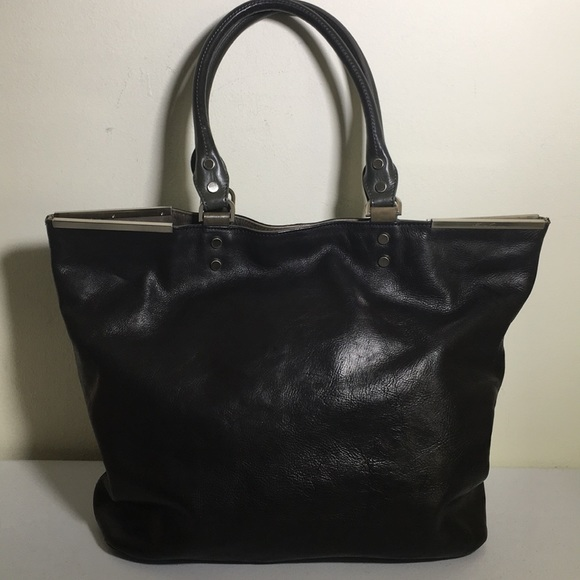 Kenneth Cole Handbags - Kenneth Cole New York black leather tote